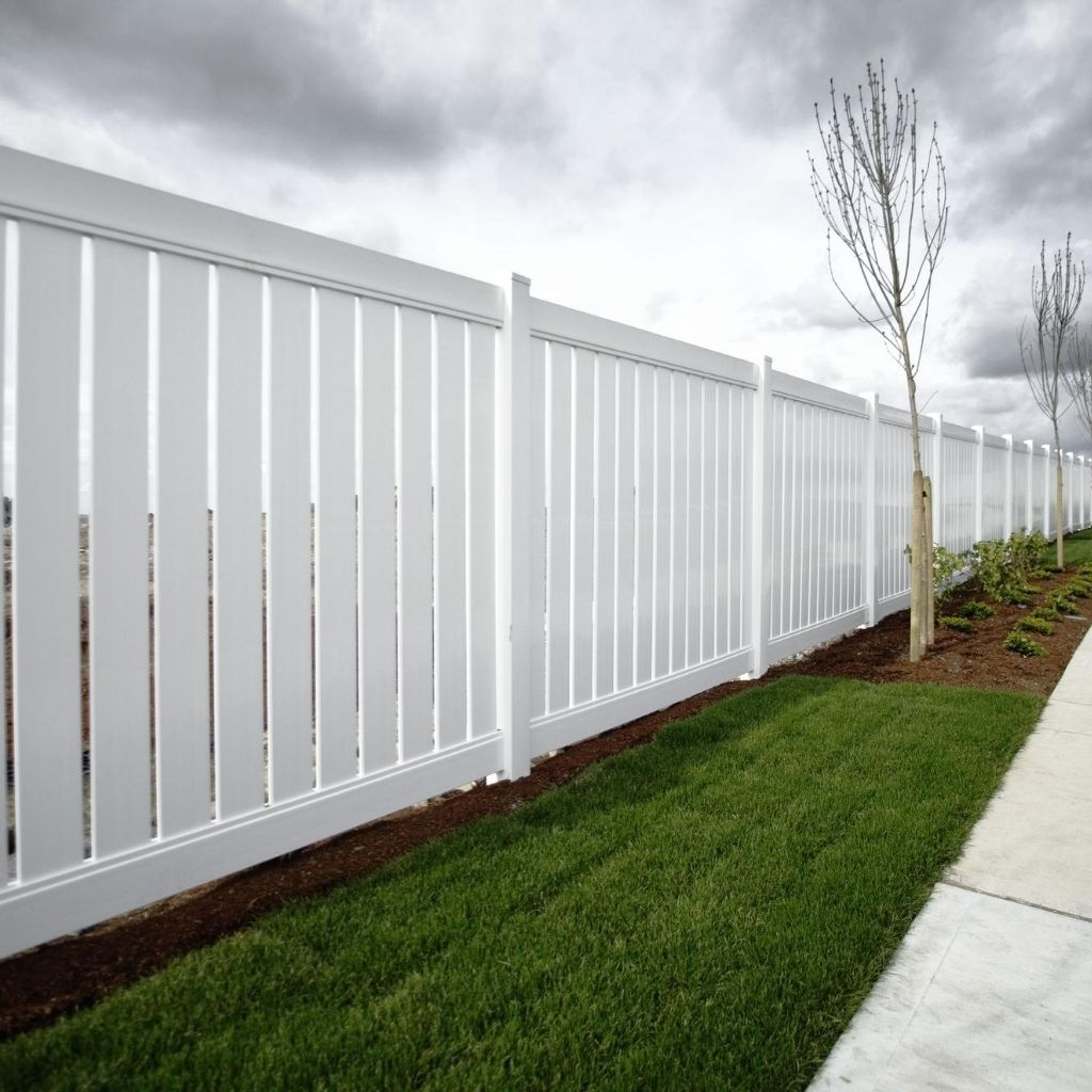 vinyl fence is a durable, stylish and versatile