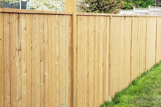 wood fence is the classic choice